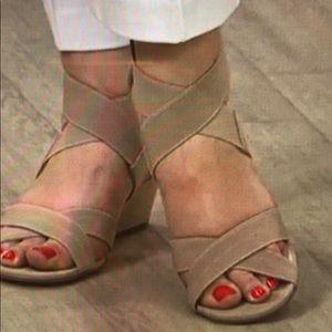 Issac Mizrahi Double Strap Wedge Toe
